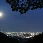 10月鎌研坂からの不思議な月
